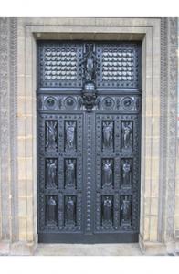 Portes rénovées de l'église Saint-Vincent
